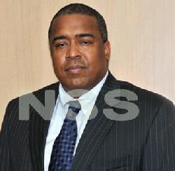 Starnieuws - Minister Hoefdraad vervangt leiding douane per vandaag