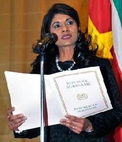 Starnieuws ambassadeur hindori benadrukt belang oas - Geloofsbrieven ontwerp ...